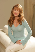 Award-Winning Actress Jane Seymour Headlines 2018 Tapestry: A Day for You