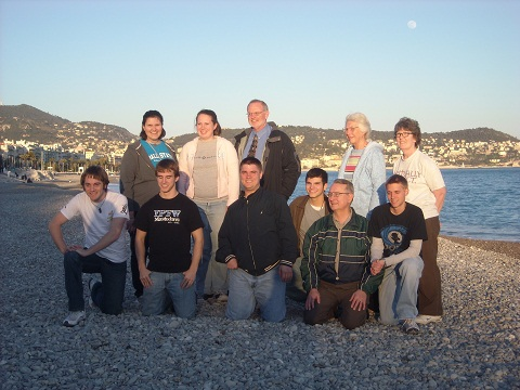 Picture of France Mission Trip team in March of 2009.